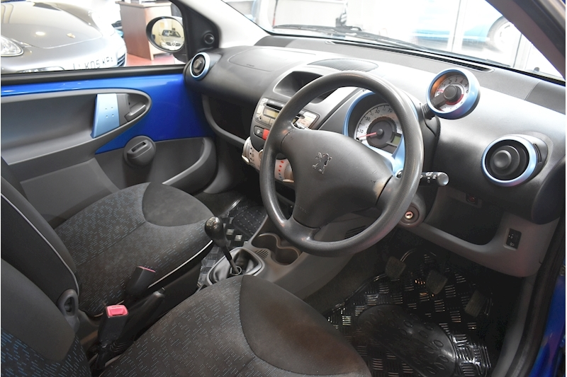 Peugeot 107 1.0 Millesim - Large 8