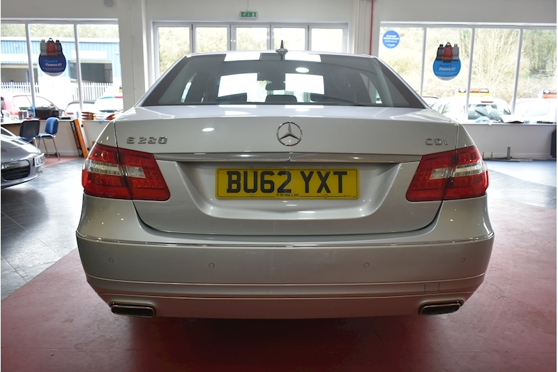 Mercedes-Benz E Class 2.1 E220 Cdi Blueefficiency Executive Se - Large 5