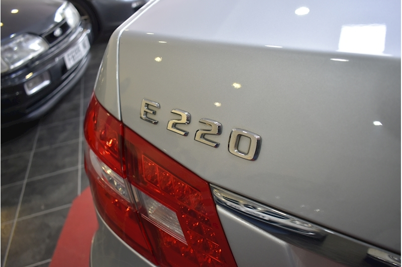 Mercedes-Benz E Class 2.1 E220 Cdi Blueefficiency Executive Se - Large 11