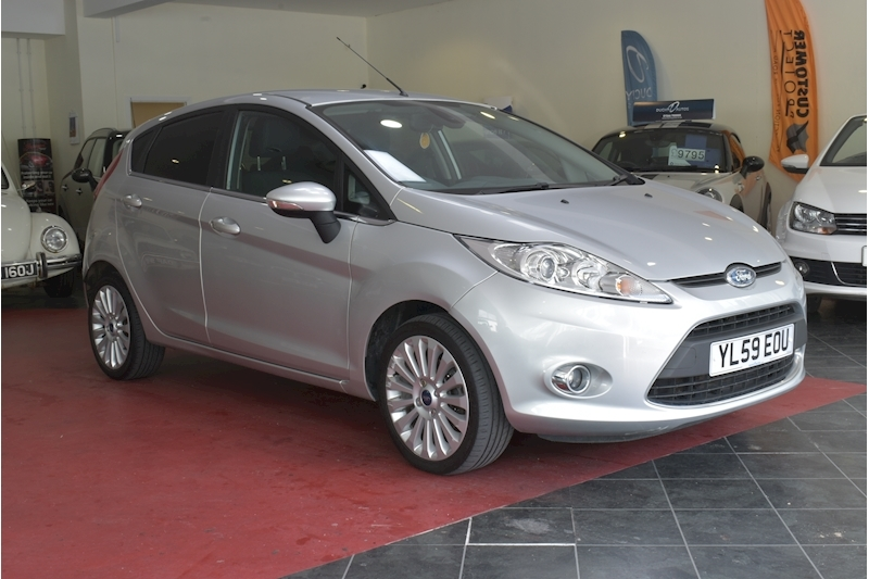 Fiesta Titanium Hatchback 1.4 Manual Petrol