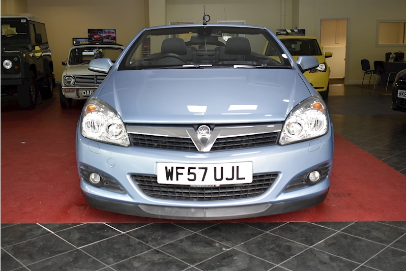 Vauxhall Astra 1.9 Twin Top Design - Large 2