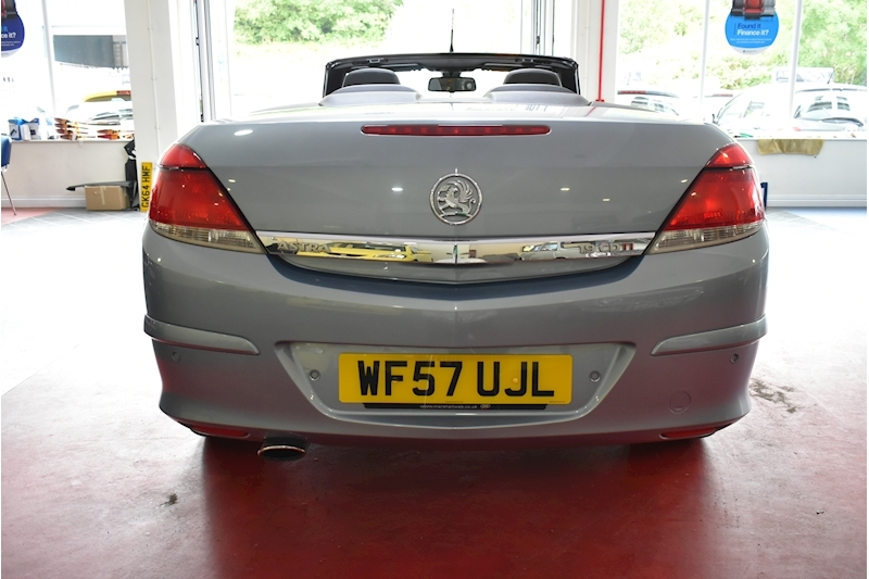 Vauxhall Astra 1.9 Twin Top Design - Large 6