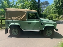 Land Rover Defender 90 Pick-Up Td5 2.5 122 - Thumb 5