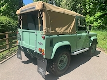 Land Rover Defender 90 Pick-Up Td5 2.5 122 - Thumb 8