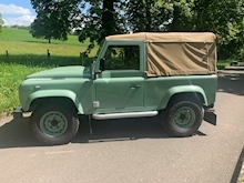 Land Rover Defender 90 Pick-Up Td5 2.5 122 - Thumb 6