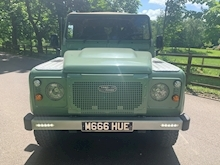 Land Rover Defender 90 Pick-Up Td5 2.5 122 - Thumb 2