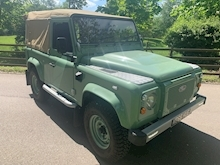 Land Rover Defender 90 Pick-Up Td5 2.5 122 - Thumb 1