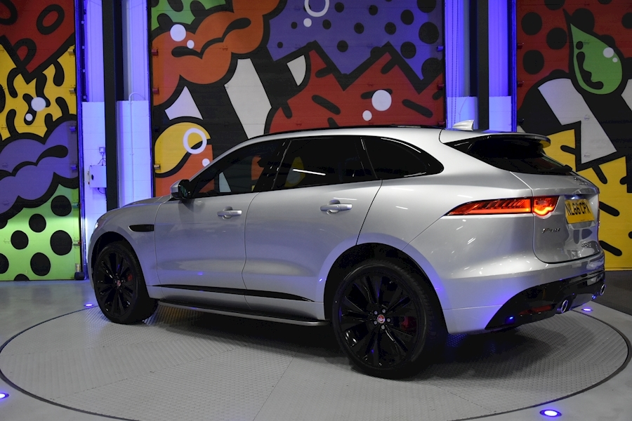 Jaguar F-Pace 3.0 - Large 3