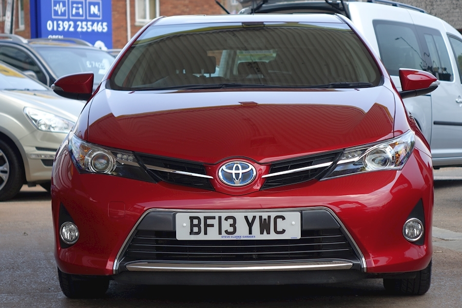 Auris Vvt-I Icon Hatchback 1.8 Cvt Petrol/Electric For Sale in Exeter