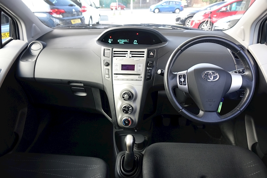 Yaris Tr Hatchback 1.3 Manual Petrol For Sale in Exeter