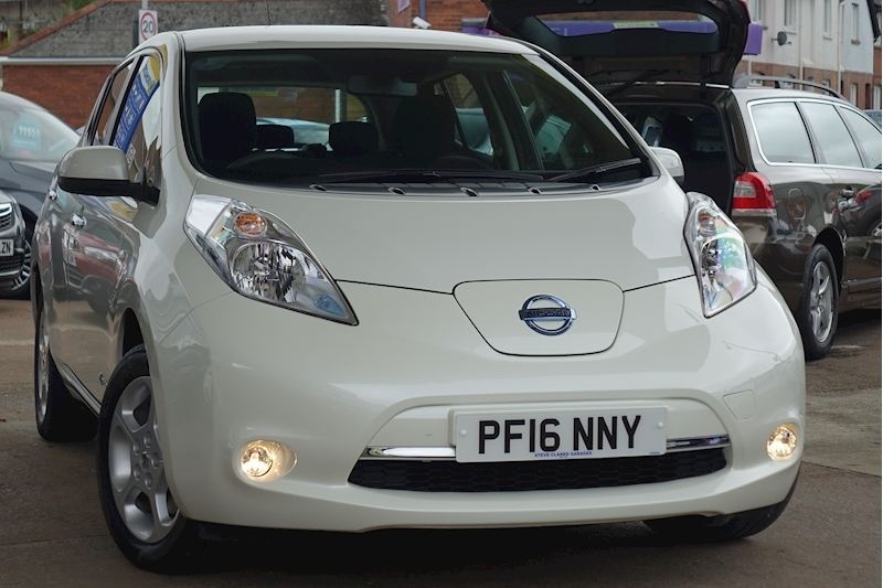 Leaf Acenta E (30kWh) 0.0 5dr Hatchback Automatic Electric For Sale in Exeter