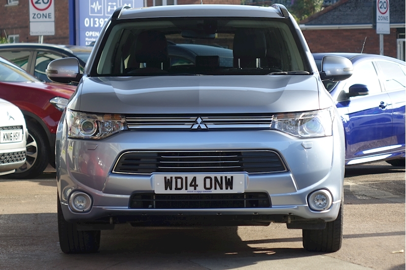 Outlander Phev Gx 4Hs Estate 2.0 Semi Auto Petrol/Electric For Sale in Exeter