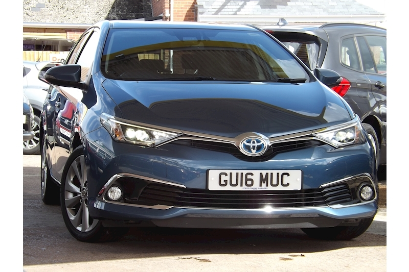 Auris Excel Hatchback 1.8 CVT Petrol Hybrid For Sale in Exeter