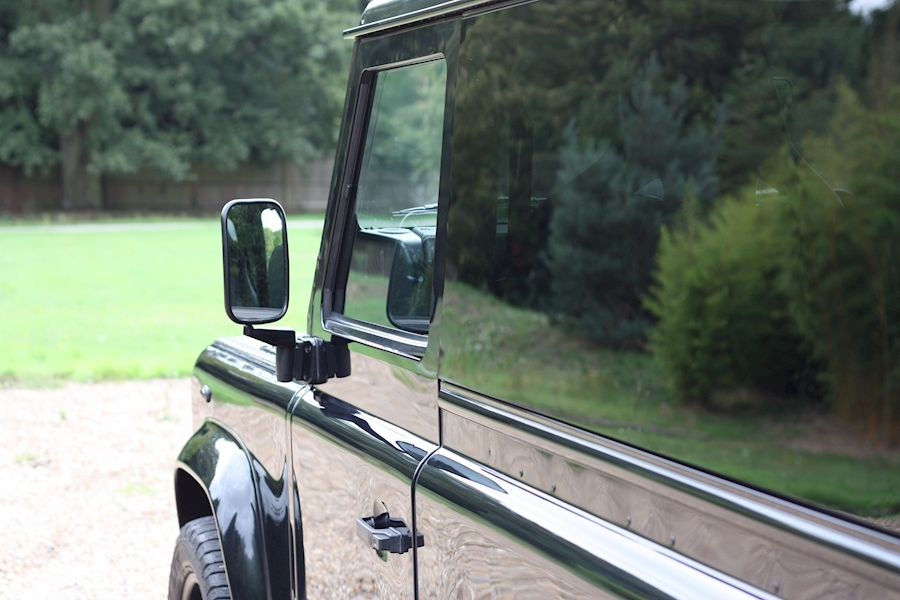 Land Rover Defender 90 Td Hard Top - Large 13