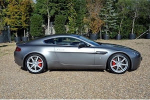 Vantage V8 Hatchback 4.3 Manual Petrol