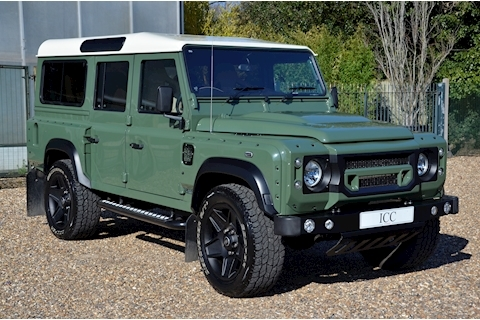Land Rover Defender 110 Td County Station Wagon - Large 0