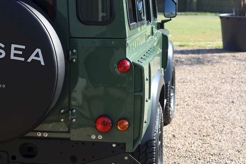 Land Rover Defender 110 Td County Station Wagon - Large 19