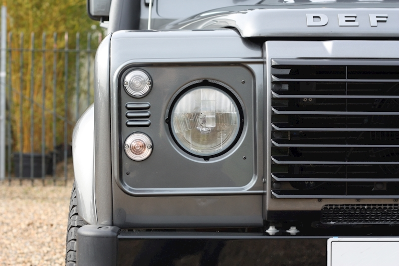 Land Rover Defender 90 Td Xs Station Wagon - Large 11