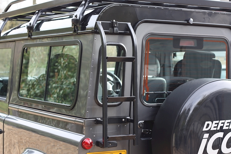 Land Rover Defender 90 Td Xs Station Wagon - Large 23