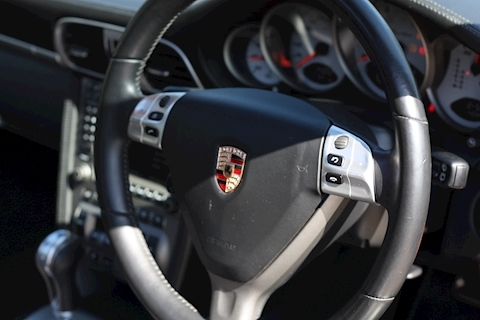Porsche 911 Turbo Tiptronic S - Large 35