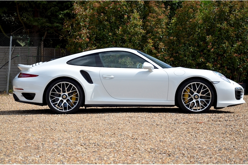 Porsche 911 Turbo S Pdk - Large 6