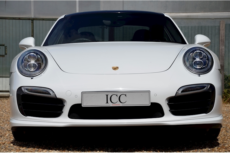 Porsche 911 Turbo S Pdk - Large 9