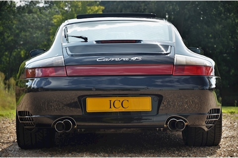 Porsche 911 Carrera 4S Tiptronic S - Large 8