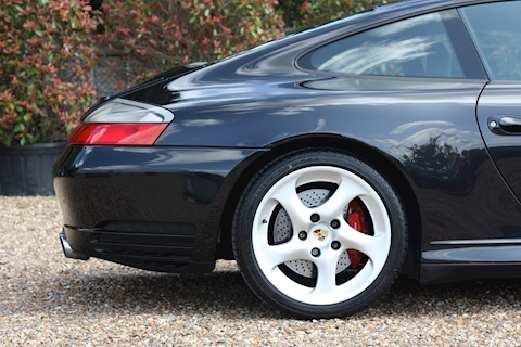 Porsche 911 Carrera 4S Tiptronic S - Large 15