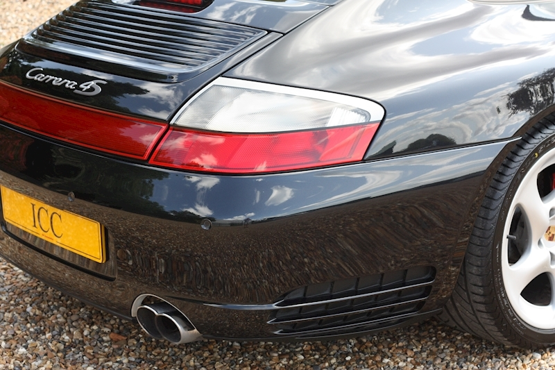Porsche 911 Carrera 4S Tiptronic S - Large 16
