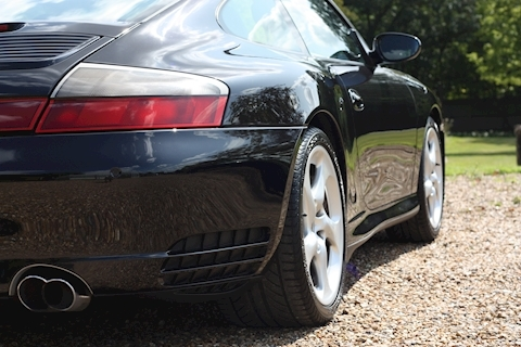 Porsche 911 Carrera 4S Tiptronic S - Large 19