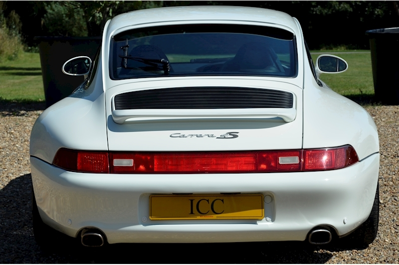 Porsche 911 Carrera 4 S - Large 3