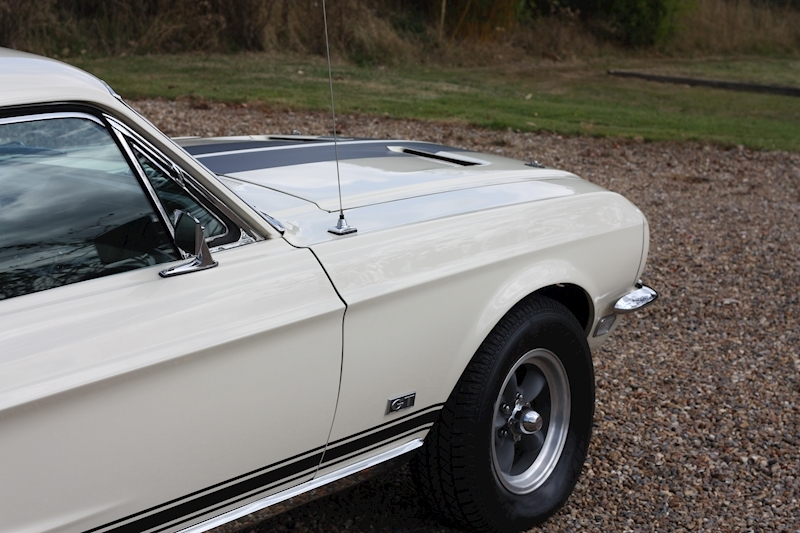 Ford Mustang 390 Gt - Large 14