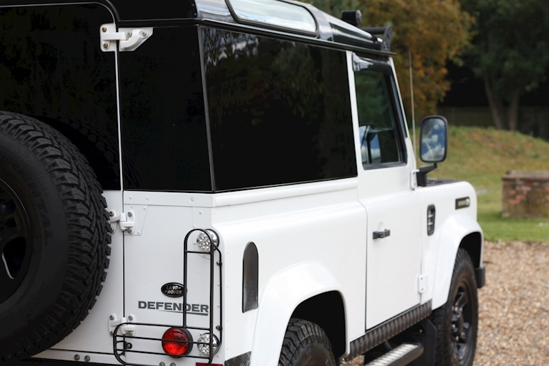Land Rover Defender 90 Td Xs Station Wagon - Large 30