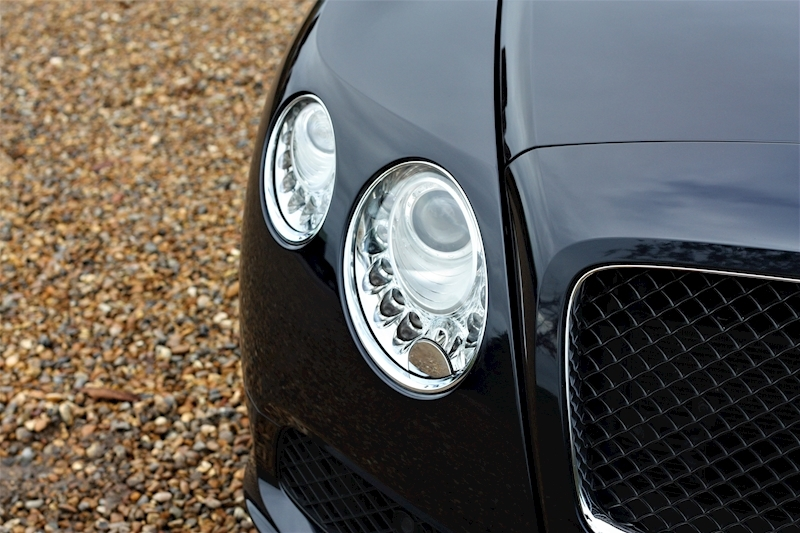 Bentley Continental Gt V8 - Large 36