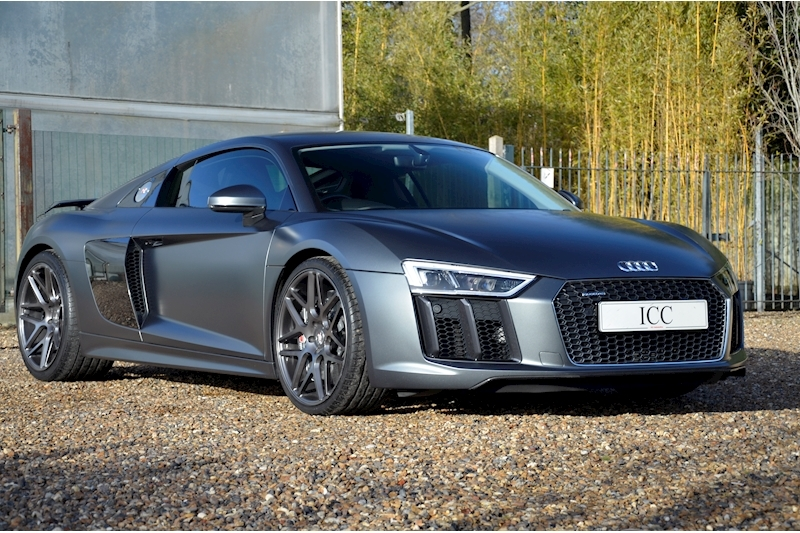 Audi R8 V10 Plus Quattro - Large 5