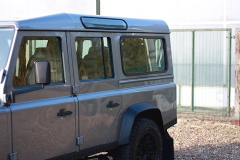 Land Rover Defender 110 Td Xs Station Wagon - Large 32