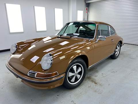 Porsche 911 T MFI 2.4 2dr HPI: Clear Manual Petrol
