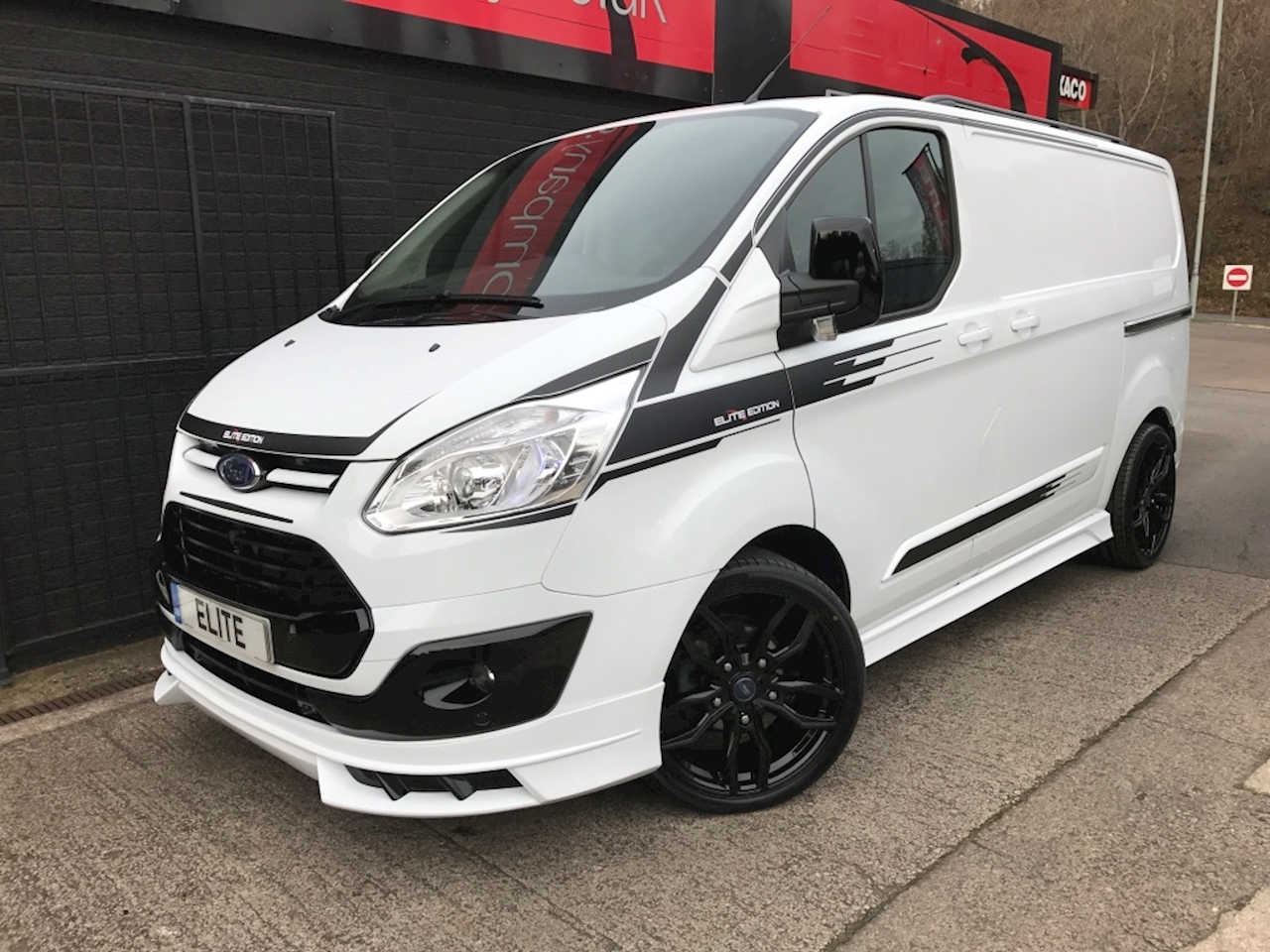 Ford 2016 66 Ford Transit Custom 270 Limited Elite Edition