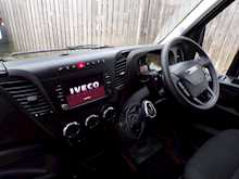 Iveco Daily 35.10 Hr Van Display Van - Thumb 18