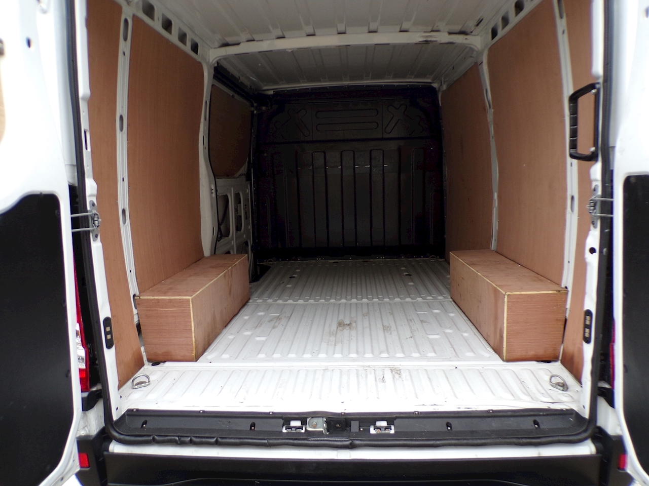 Iveco Daily 35S13 SWB A/C New Shape