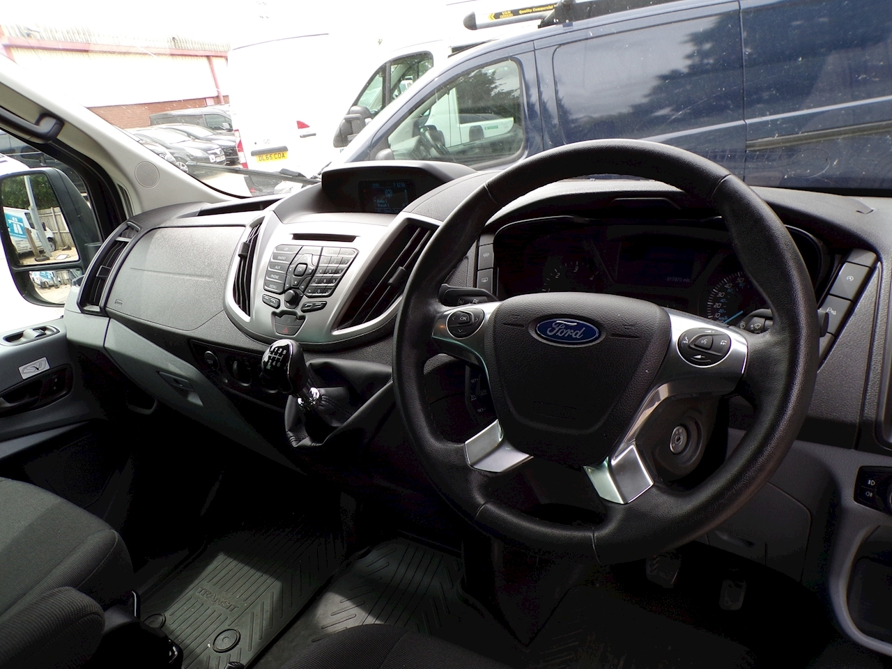 Ford Transit 17 Seat Trend, 125ps