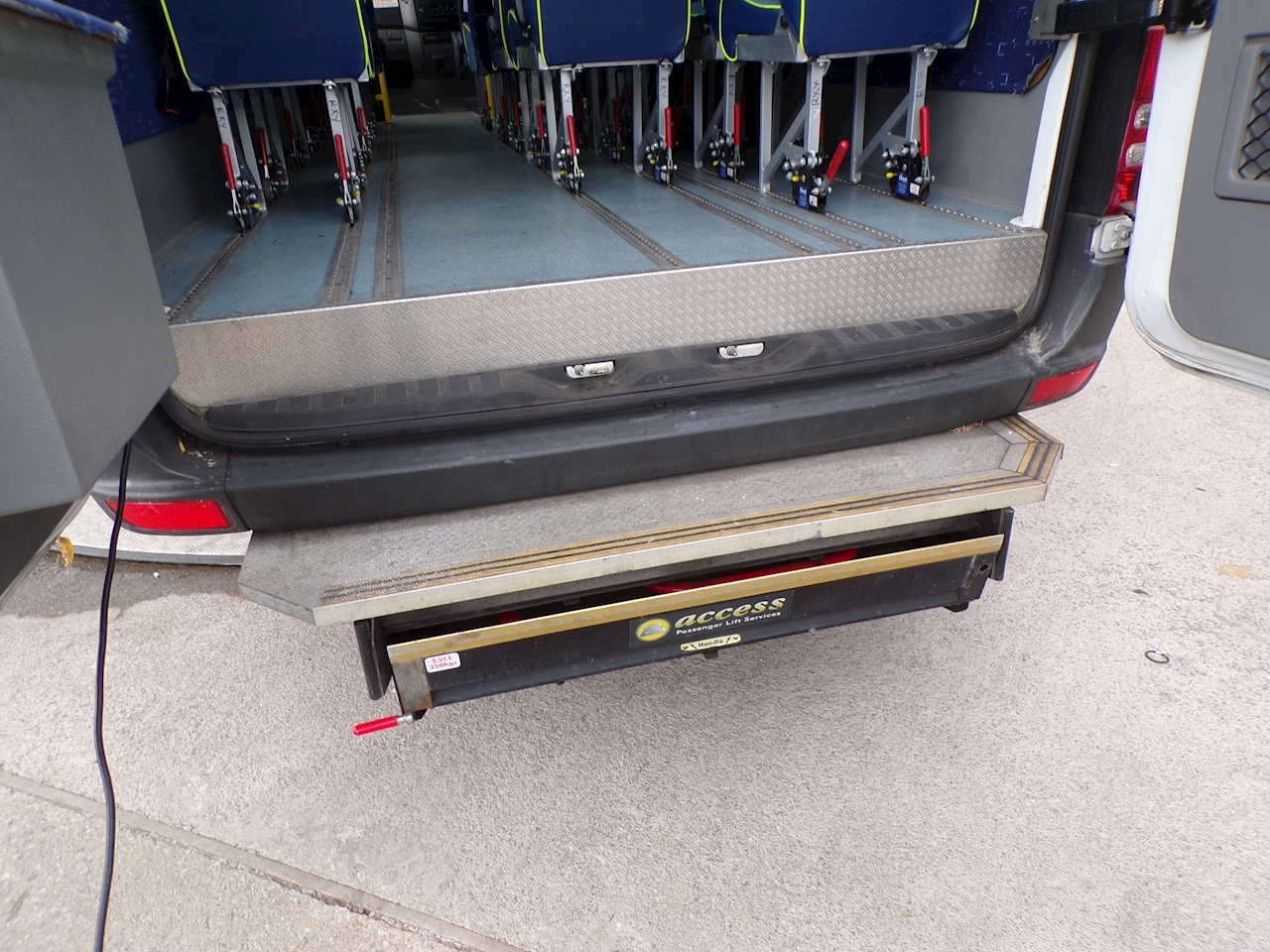 Mercedes-Benz Sprinter 513 17 Seat Wheelchair Access