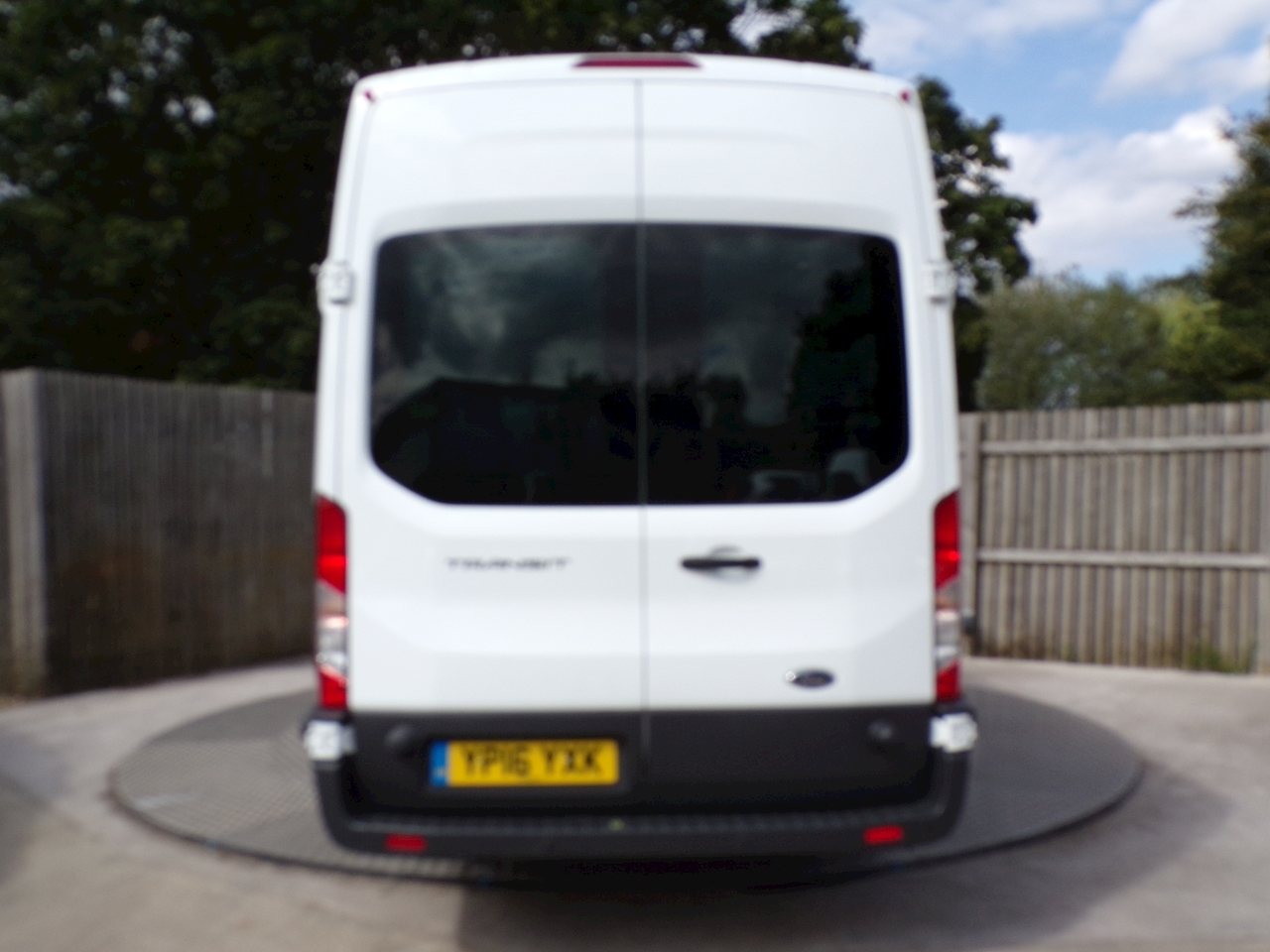 Ford Transit 17 Seat Trend 125ps