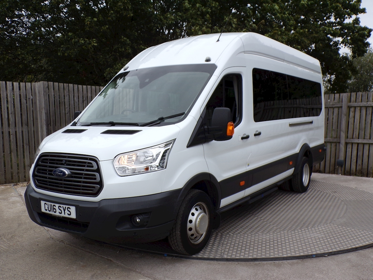 Ford Transit 460 Trend 17 Seater 155ps