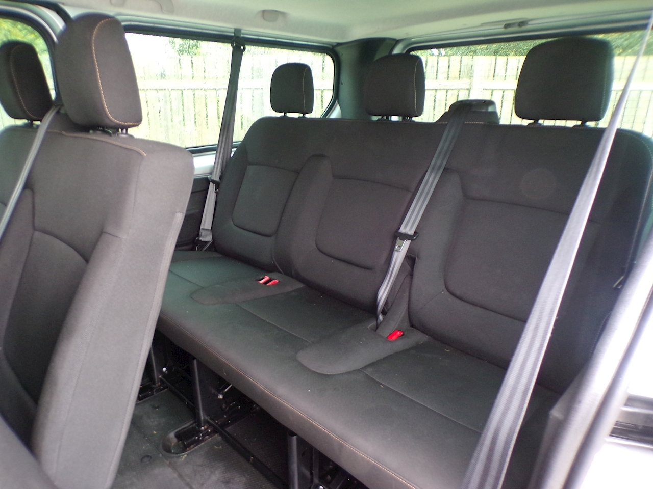 Renault Trafic Ll29 Business 9 Seater