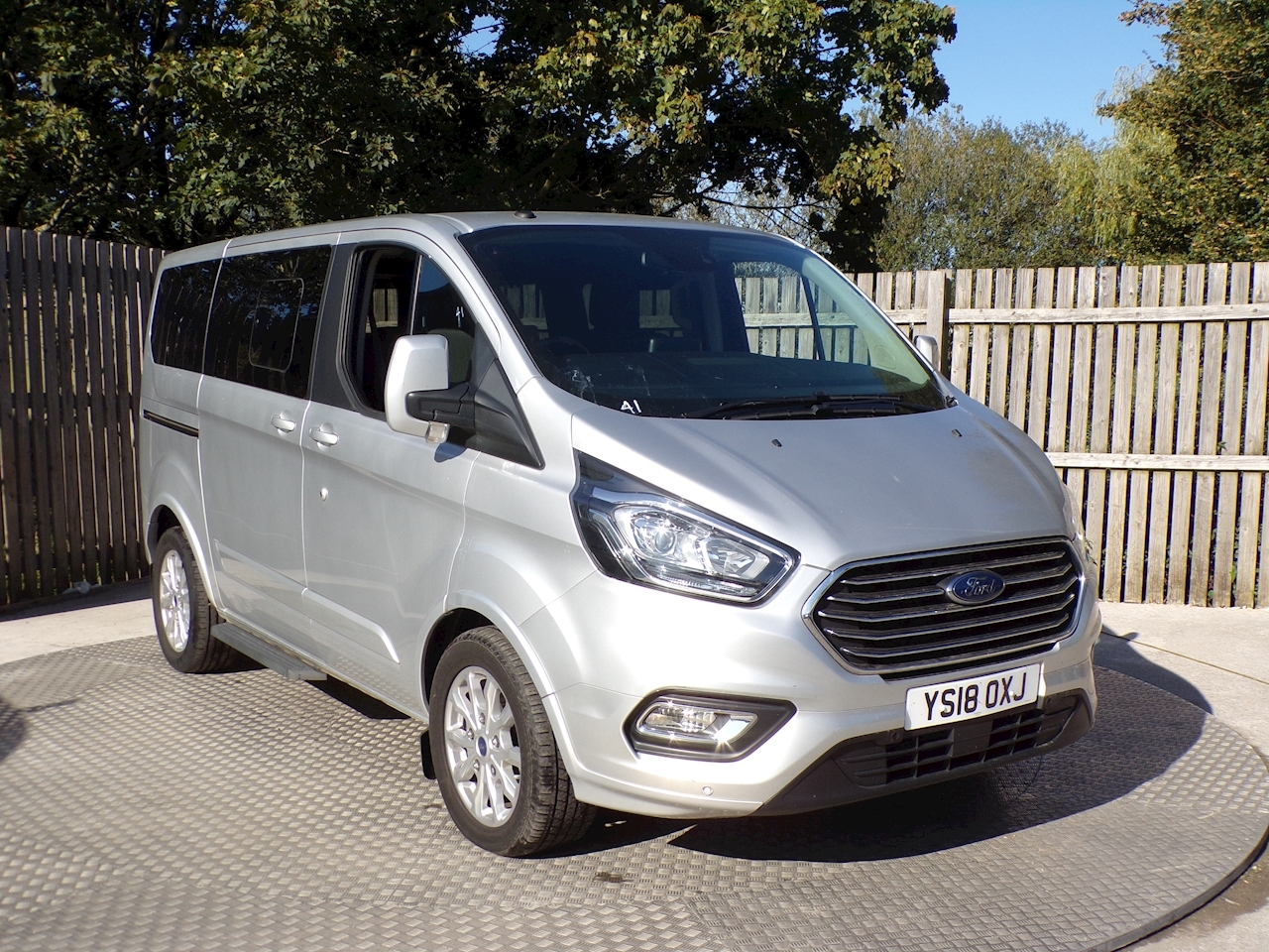 Ford Tourneo Custom SWB Titanium