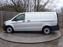 Mercedes-Benz Vito 111 Cdi LWB WITH A/C Euro 6 - Thumb 8