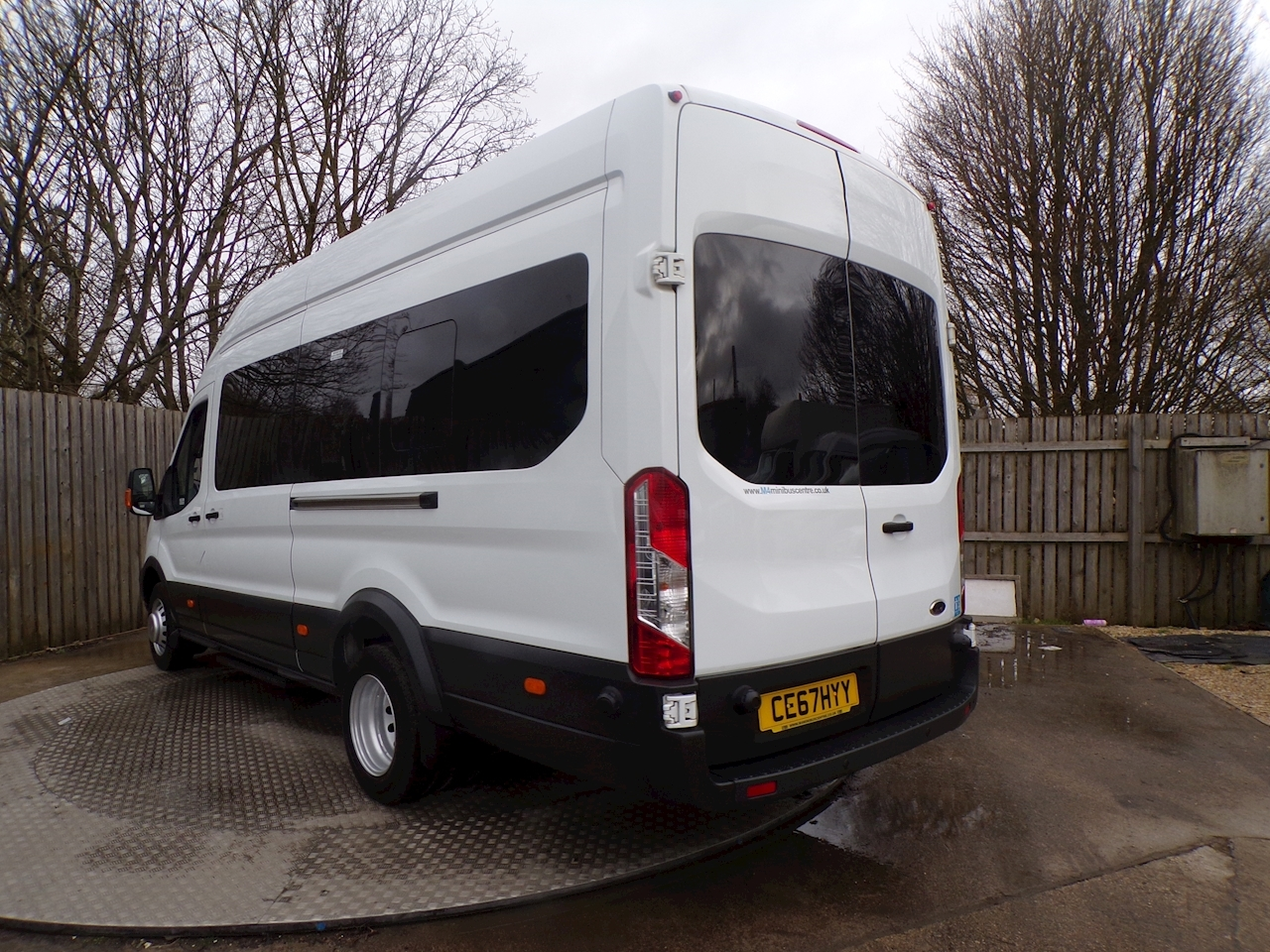 Ford Transit 460 Trend 17 Seater 125ps