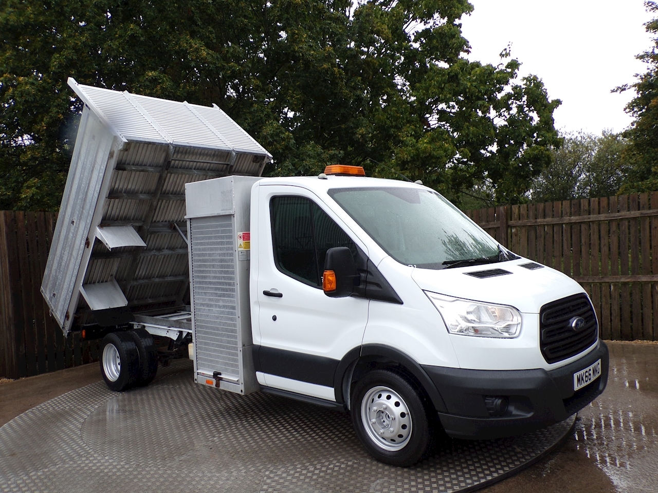 Ford Transit 2.2 TDCi 350 Tipper 125 ps