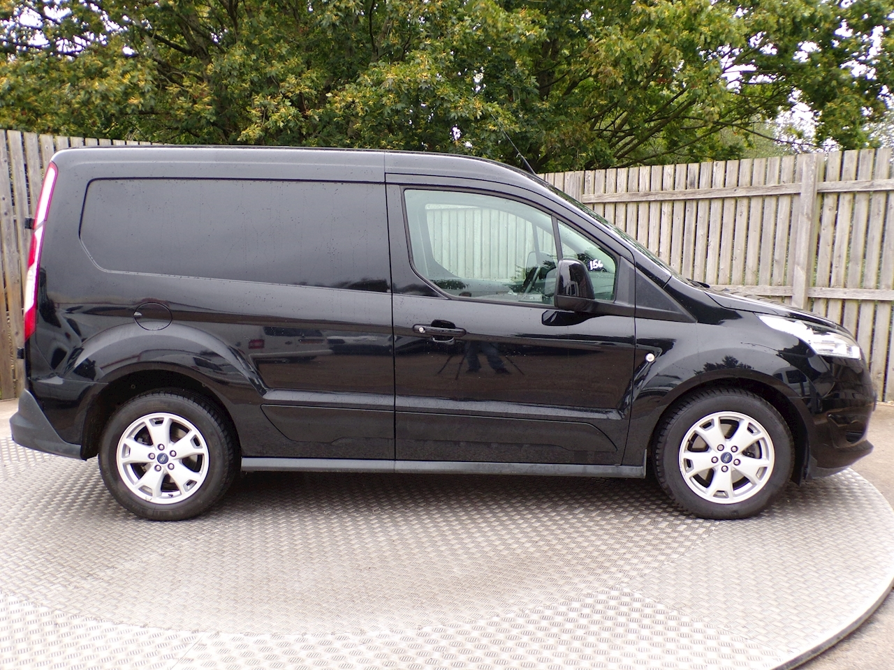 Ford Transit Connect Trend 1.5 TDCi SWB LTD 120PS Euro 6